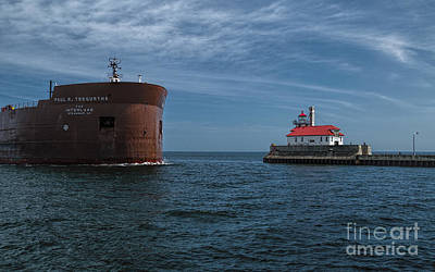 Duluth Digital Art - Paul R. Tregurtha Freighter by Gary Rieks
