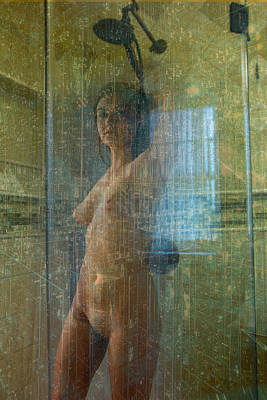 Circle In The Square Photograph - Paulina In The Shower by Stephen Carver