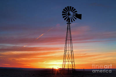 Photograph - Pawnee Sunrise by Jim Garrison