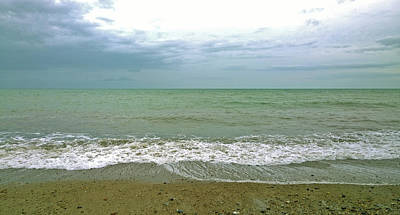 Photograph - Pea Green Sea by Anne Kotan