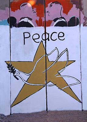 Photograph - Peace Talk by Munir Alawi