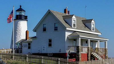 Photograph - Pemaquid Point Lighthouse And Lightkeeper's Home by Marilyn Burton
