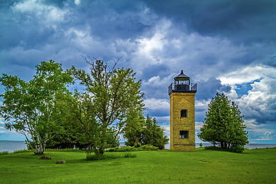 Photograph - Peninsula Point Lighthouse by Chuck De La Rosa