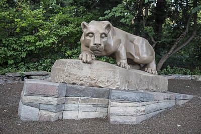 Penn State University Photograph - Penn Statue Statue  by John McGraw