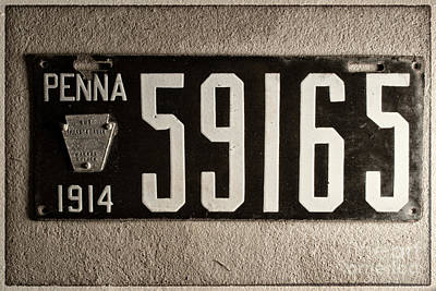 Pennsylvania Photograph - Penna 1914 License Plate Outline by Pittsburgh Photo Company