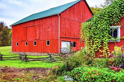 Cedar Fence Photograph - Pennsylvania Barn 5 by Steve Harrington