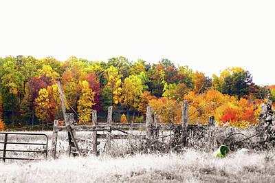 Split Rail Fence Photograph - Pennsylvania Color Kiss by Susan Maxwell Schmidt