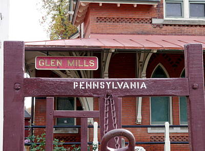 Photograph - Pennsylvania - Glen Mills Railroad Station by Richard Reeve