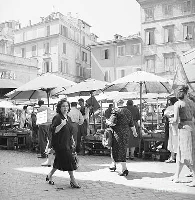 Marketplace Wall Art - Photograph - People At An Open Air Market In Rome, 1955 by The Harrington Collection