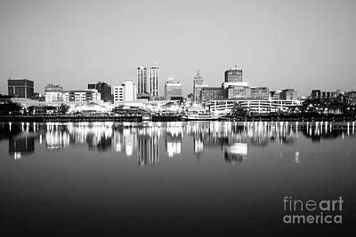 Riverboats Photograph - Peoria Illinois Skyline Black And White Photo by Paul Velgos