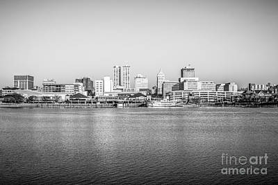 Riverboats Photograph - Peoria Skyline Black And White Photo by Paul Velgos