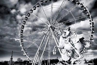 Photograph - Perseus In Paris by John Rizzuto