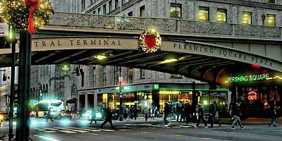 Pershing Photograph - Pershing Square At Christmas by Diana Angstadt