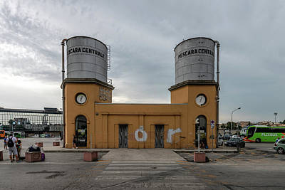 Photograph - Pescara Centrale by Randy Scherkenbach