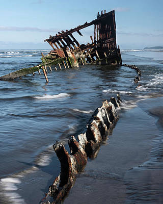 Peter Iredale Photograph - Peter Iredale 6294 by Bob Neiman