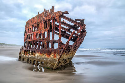 Peter Iredale Photograph - Peter Iredale 0030 by Kristina Rinell