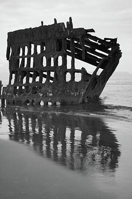 Peter Iredale Digital Art - Peter Iredale Shipwreck In Black And White by Art Spectrum