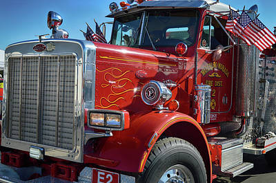 Photograph - Peterbilt Pumper by Bill Dutting