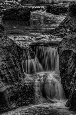 Photograph - Pewits Nest Middle Waterfall In Black And White by Dale Kauzlaric