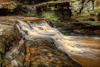 Photograph - Pewits Nest Upper Falls by Dale Kauzlaric