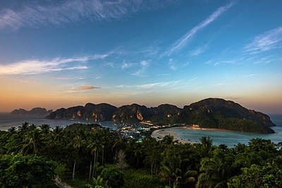 Photograph - Phi Phi View Point 2 Rising Sun by Scott Cunningham