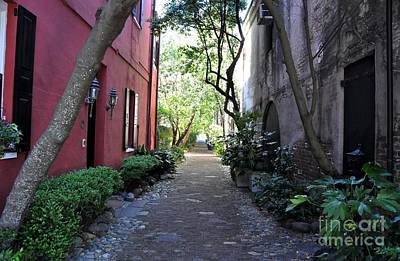 Photograph - Philadelphia Alley Charleston South Carolina by John Black