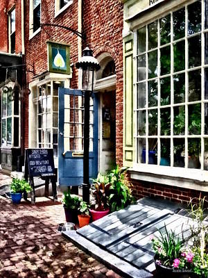 Photograph - Philadelphia Pa Coffeehouse by Susan Savad