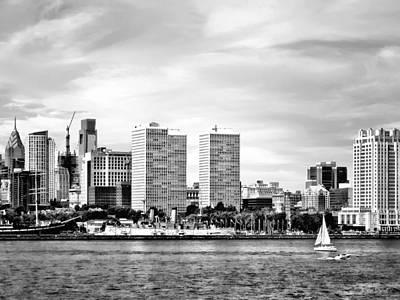 Philadelphia Pa Skyline Black And White Art Print by Susan Savad