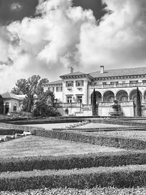 Photograph - Philbrook Museum Tulsa Oklahoma Black And White Photograph by Ann Powell
