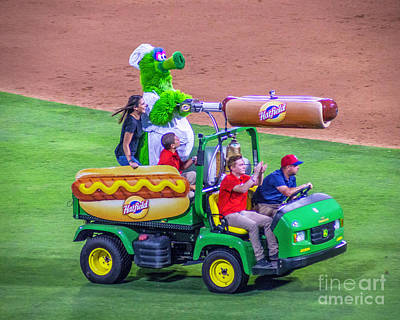 Phillie Phanatic Hot Dog Shooter Art Print by Nick Zelinsky