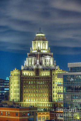 Photograph - Philly Tower by David Zanzinger