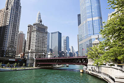 Photo Of Chicago Skyline At Michigan Avenue Bridge Art Print by Paul Velgos