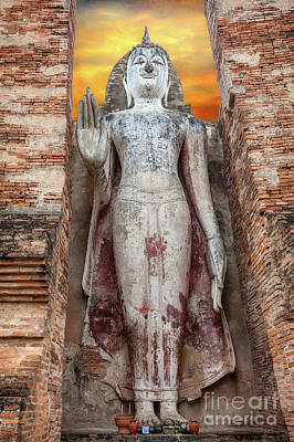 Photograph - Phra Attharot Buddha by Adrian Evans