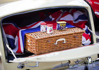 Photograph - Picnic Basket by Chris Dutton