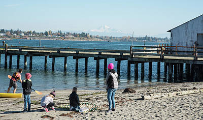 Photograph - Picnic On Semiahmoo Beach by Tom Cochran