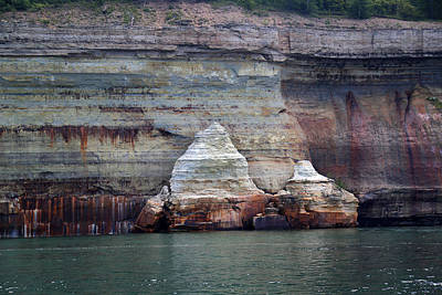 Photograph - Pictured Rocks National Lakeshore 1 by Mary Bedy