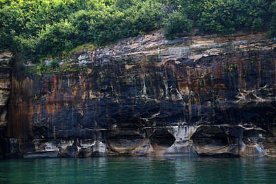 Photograph - Pictured Rocks National Lakeshore 10 by Mary Bedy