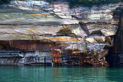 Photograph - Pictured Rocks National Lakeshore 11 by Mary Bedy