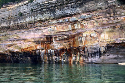 Photograph - Pictured Rocks National Lakeshore 12 by Mary Bedy