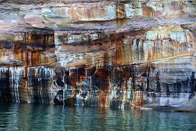Photograph - Pictured Rocks National Lakeshore 13 by Mary Bedy