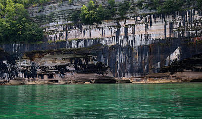Photograph - Pictured Rocks National Lakeshore 18 by Mary Bedy