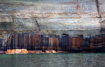 Photograph - Pictured Rocks National Lakeshore 2 by Mary Bedy