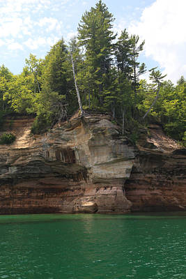 Photograph - Pictured Rocks National Lakeshore 23 by Mary Bedy