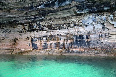Photograph - Pictured Rocks National Lakeshore 24 by Mary Bedy