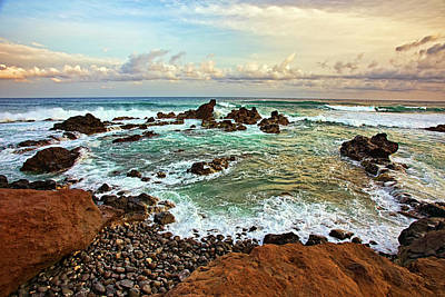 Outlook Photograph - Picturesque Ho'okipa by Marcia Colelli