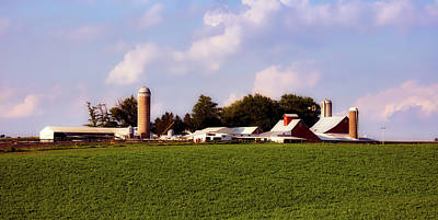 Iowa Farm Photograph - Picturesque Amish Iowa Farm by L O C