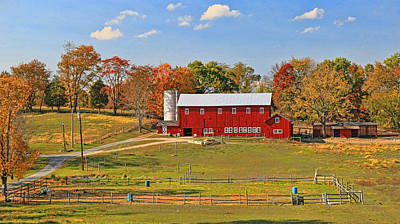 Photograph - Picturesque Red Barn by Allen Beatty