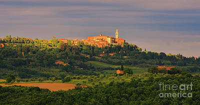 Tuscan Dusk Photograph - Pienza - Tusacany - Italy by Henk Meijer Photography