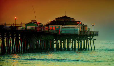 Photograph - Pier  Diner Building by Joseph Hollingsworth