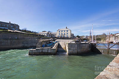 Photograph - Pier House Hotel And Restaurant Cornwall by Terri Waters